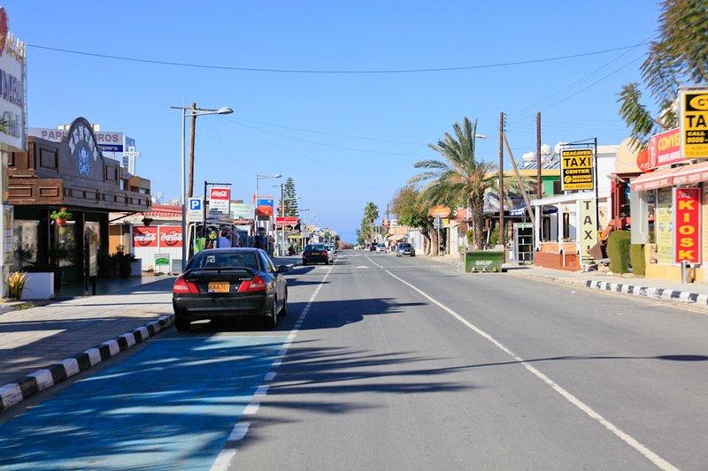 Coral Bay Plaza