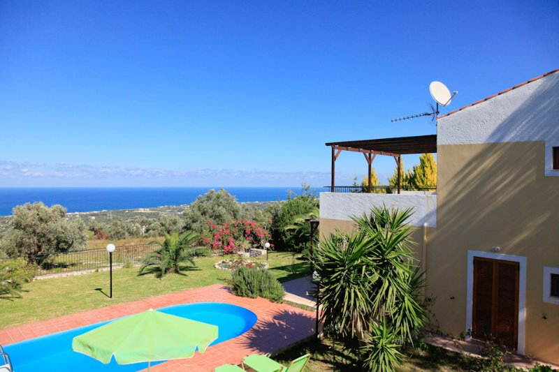 Beautiful Villa with Private Pool, Terrace, Garden and Sea Views