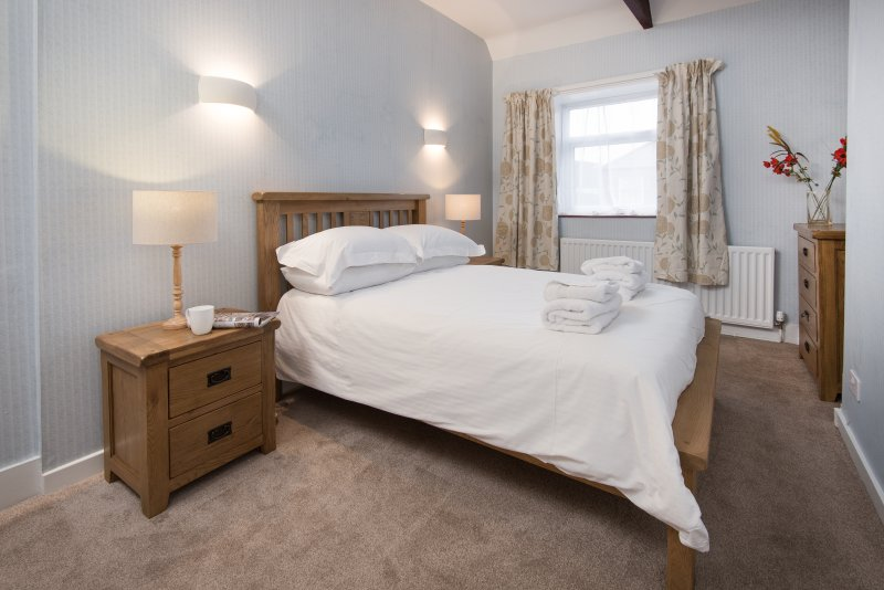 Wagtail Cottage - double bedroom