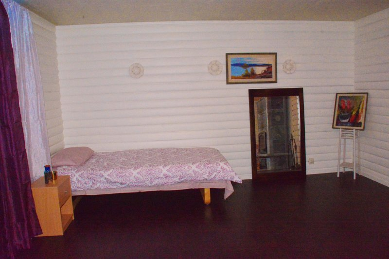 Dormitory 2 - shared room -8 single beds, alquiler vacacional en Jukkasjarvi