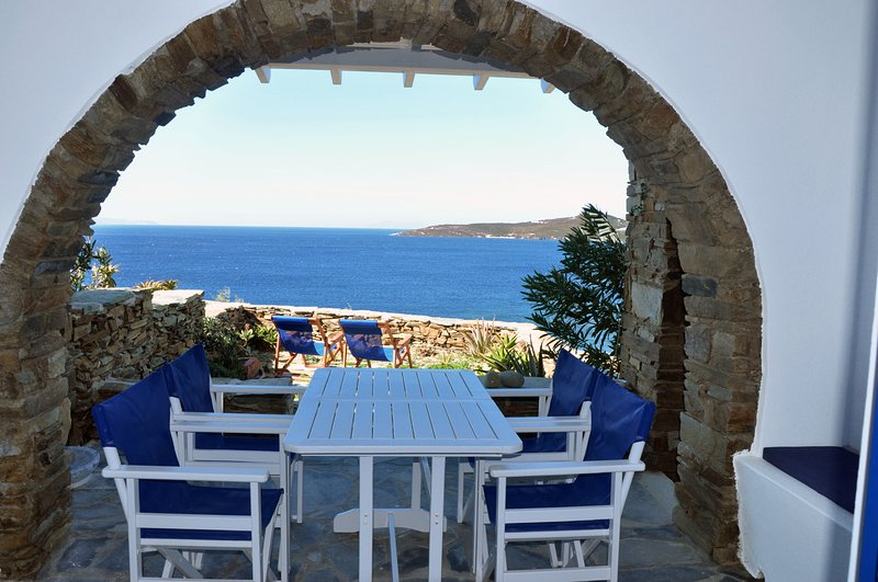 House by the sea in Tinos (A-2bdr) - Stavros Bay, holiday rental in Tinos Town