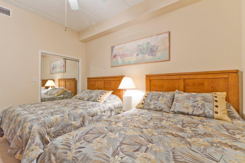 Habitación de invitados con 2 camas queen