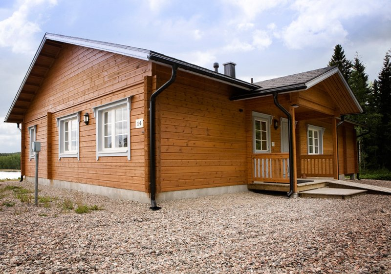 Lakeside view and peace in lovely 109 m2 rural villa by lake, casa vacanza a Central Finland