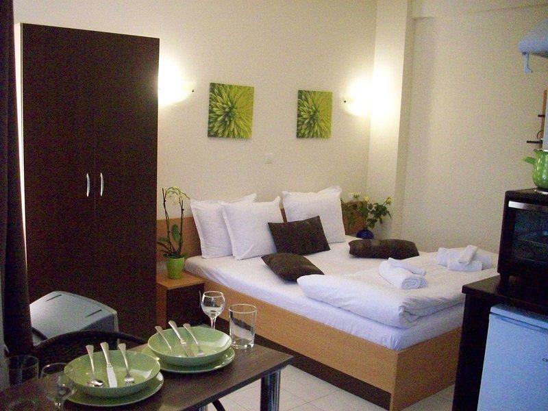 Posto studios 2, vacation rental in Agii Apostoli