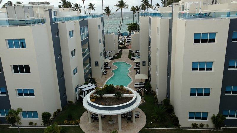 Presidential Suites Luxury All-in Beachfront Resort