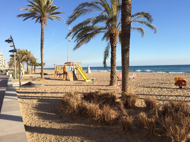 Calafell beach apartment. Wifi. Playa de Calafell, vacation rental in Calafell