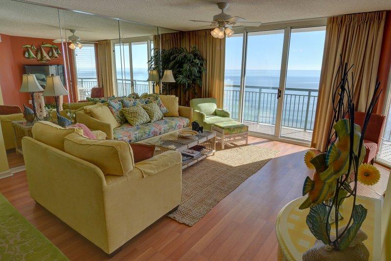 Luxury 14th floor 3BR/3BA oceanfront condo at Wind, holiday rental in Longs