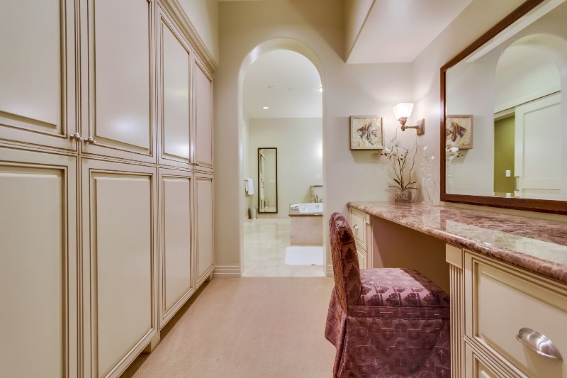 The master bathroom sitting area.
