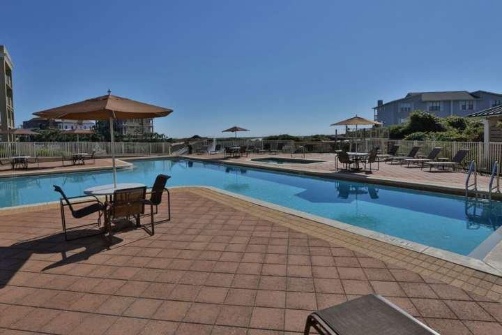 Piscina Comunidade - Relaxe ao lado da piscina - Aproveite o belo Golfo Sun enquanto Retiro Visiting Madison!