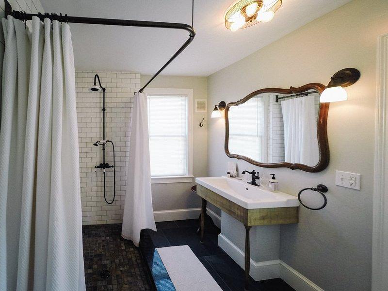 Baño privado de lujo con William Roam Productos para el baño