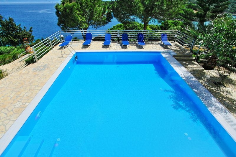 Shared swimming pool with views