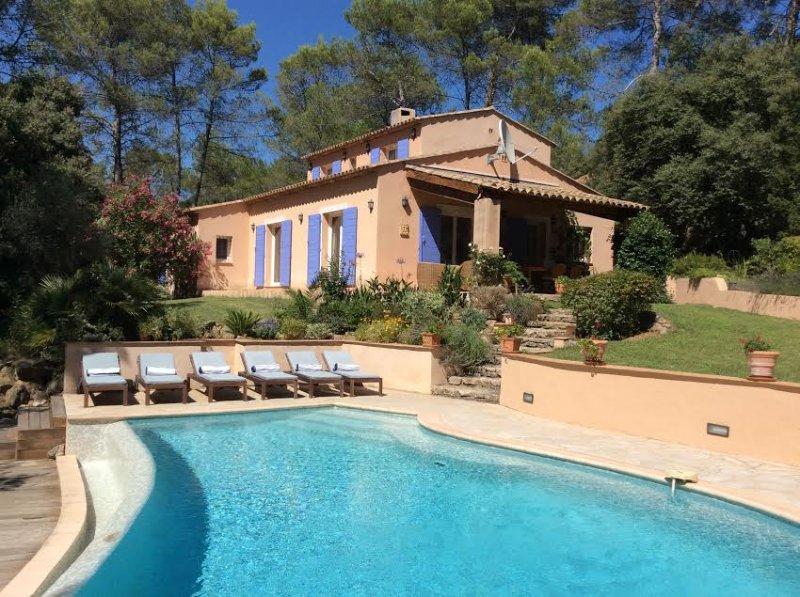 Les Hirondelles, stunning villa in Provence, location de vacances à Lorgues