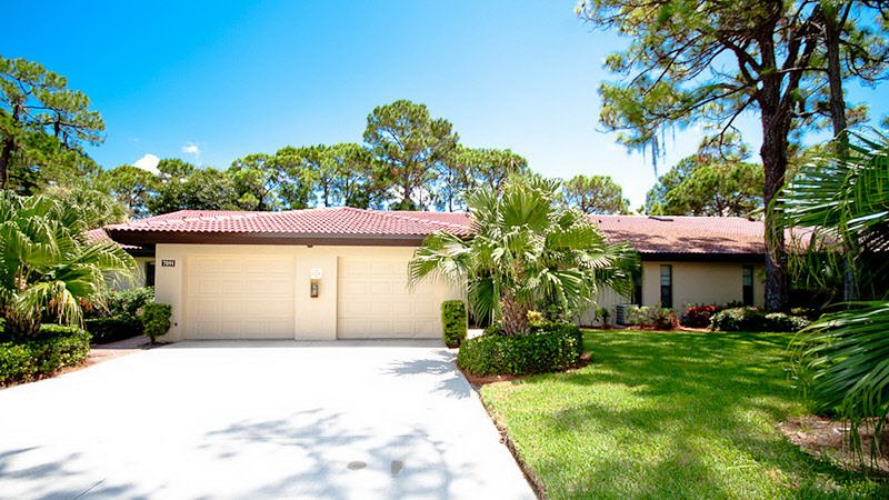 Sarasota's best kept secret! Beautiful Rennnovated Villa, 2Br 2 Bath, sleeps 4-6, holiday rental in Sarasota