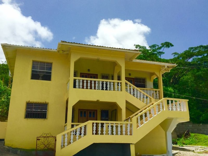 3 bedrooms 3 baths Apartment Rental on the lovely island of Carriacou, holiday rental in Hillsborough