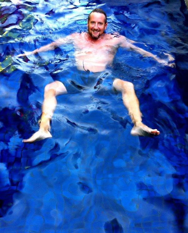 Rafraîchissez-vous dans votre propre piscine tropicale privée