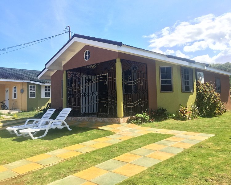 Falmouth's Home Sweet Getaway, vacation rental in Trelawny Parish