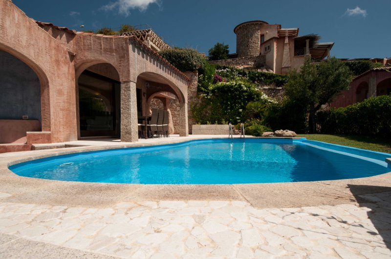 Villa Pevero Hills 4 with pool and sea view for 6 persons, holiday rental in Cala di Volpe