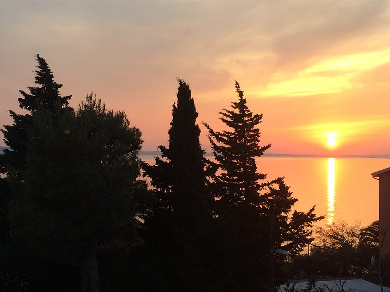 Studio apartment near beach and National Park, vacation rental in Starigrad-Paklenica