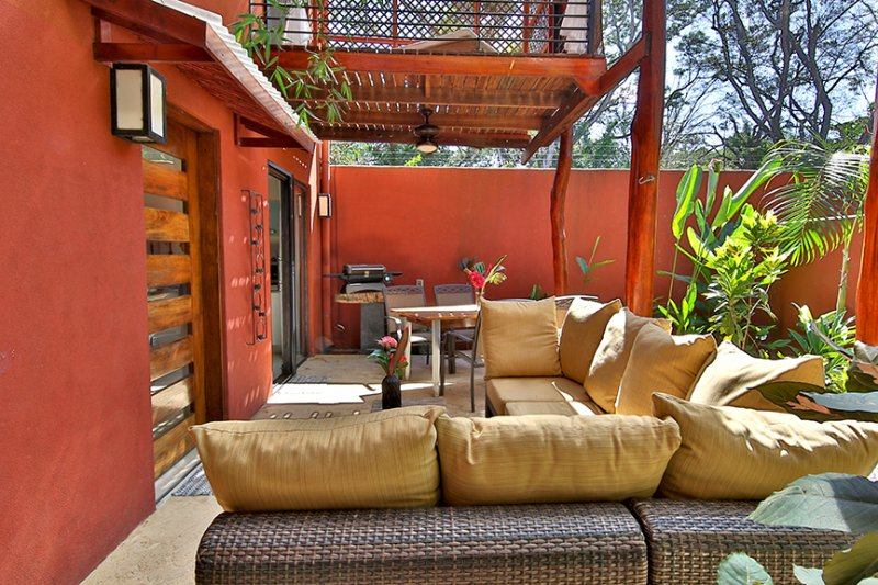 Private Side Yard with Dining, Seating, BBQ