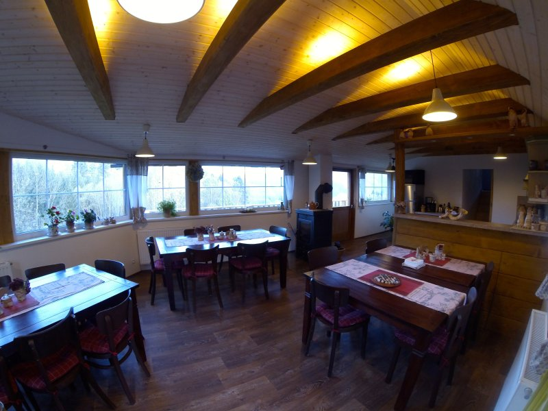 Welcome to The Barn! Beautiful chalet in Jizera mountains, holiday rental in Lisny