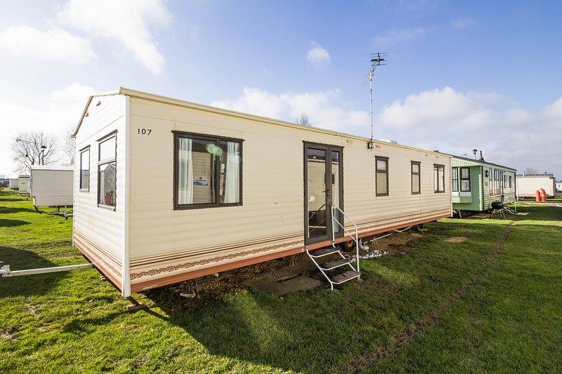 8 berth caravan for rent.