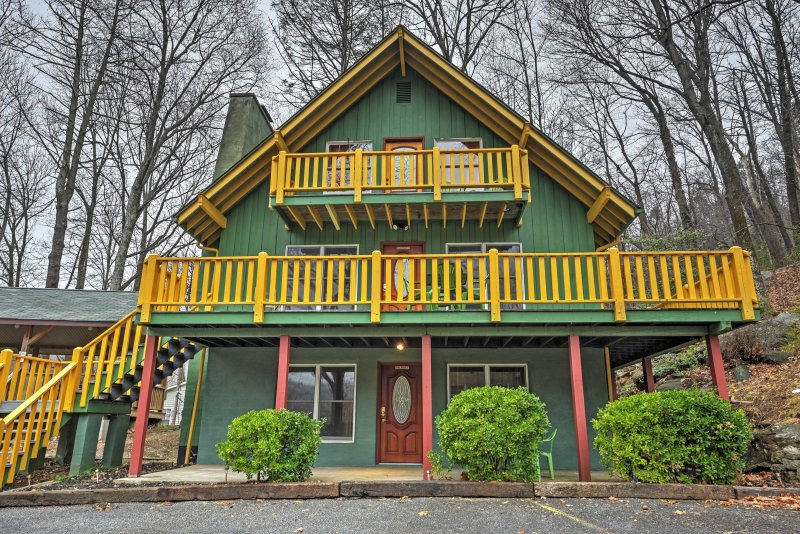 Escape to this 4-bedroom, 3-bathroom  vacation rental  cabin for the ultimate Chimney Rock getaway!
