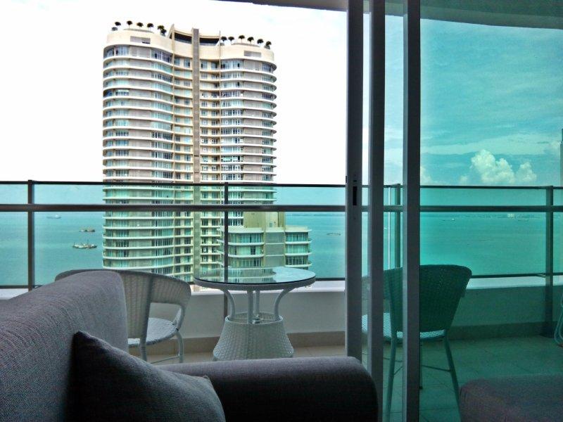 VAR 23 Vestíbulo / balcón