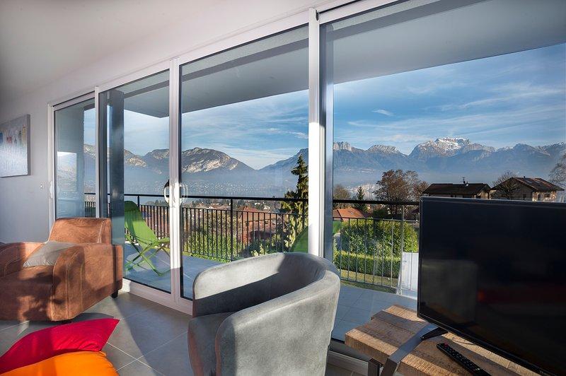 Appartement Tournette avec grande terrasse et vue sur le lac et les montagnes, location de vacances à Sevrier
