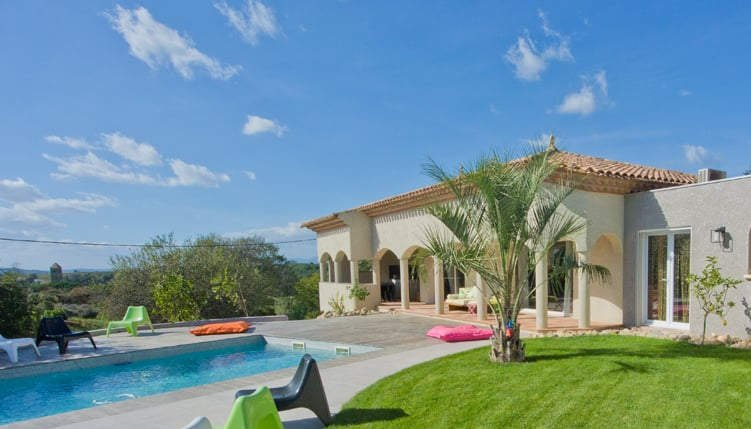 Luxury villa in France with private pool near beaches sleeps 10, alquiler vacacional en Puimisson