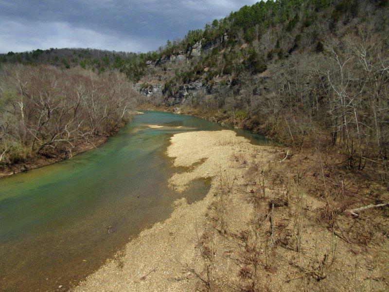 El Río Búfalo desde el puente de corte Hasty. Sólo una milla de la cabina!