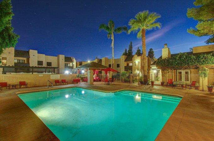 Modern 1 Bedroom Suite in Glendale, vacation rental in Glendale