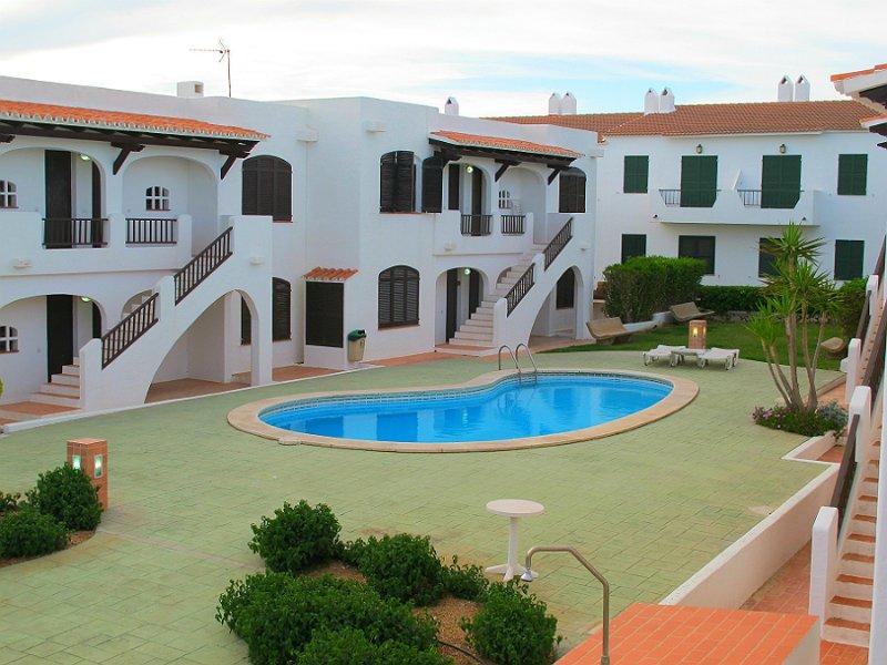 Apartamento ES VENTS, holiday rental in Fornells