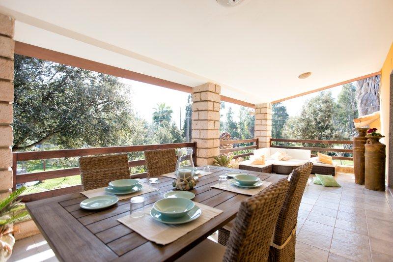 Sa branda Alghero Villa superior a ridosso delle spiagge, vacation rental in Alghero