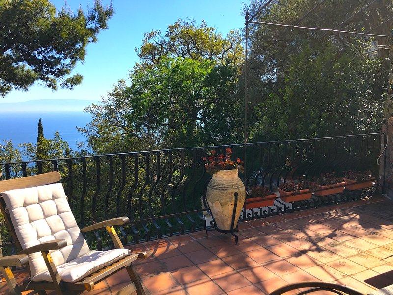 TAORMINA CASA LUDO Sea View Terrace, alquiler vacacional en Mazzaro
