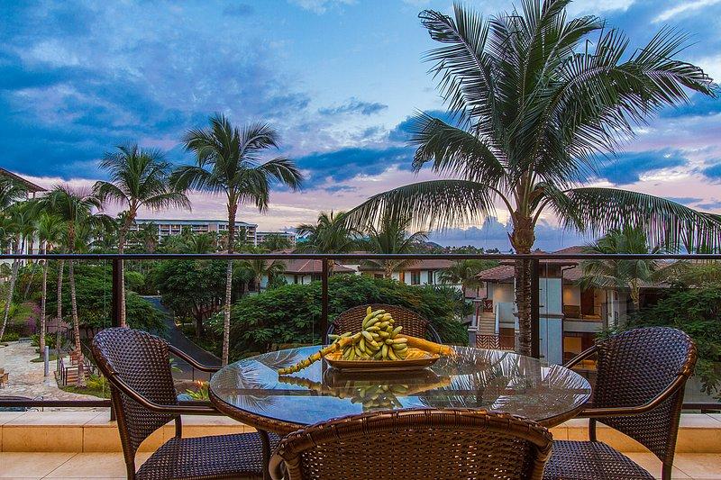 Disfrutar de puestas de sol desde la terraza después de otro día en