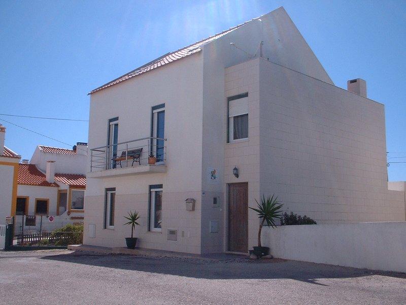 Private  4 bedroom House by the Sea in Peniche, aluguéis de temporada em São Pedro