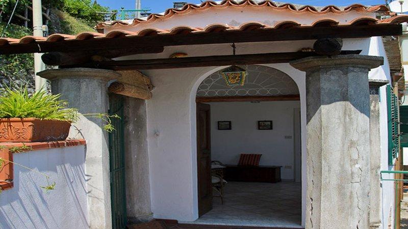 01 Casa sul Pizzo entrance