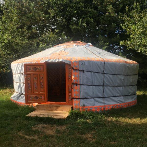 Yourte dans la nature, holiday rental in Le Champ-Saint-Pere