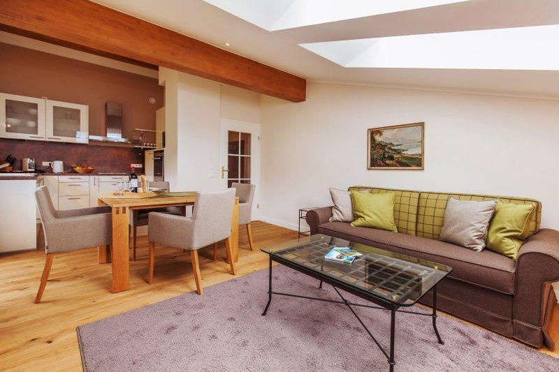 Haus Bella Vista - Ferienwohnung Wetterkreuz, alquiler vacacional en Prien am Chiemsee