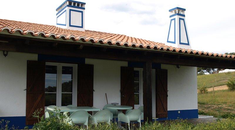 Two bedroom Villa, alquiler de vacaciones en Terena