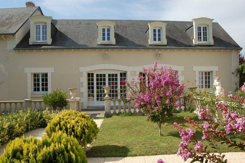 Belle demeure en vallée de Loire, holiday rental in Chaveignes
