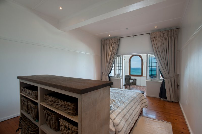 ST JAMES Cape Town Seaview + Whales, holiday rental in Clovelly