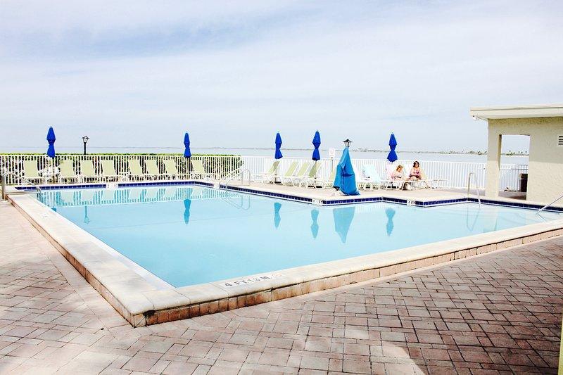 piscina grande para nuestros clientes, si se siente más como estar en casa en lugar de ir a la playa!