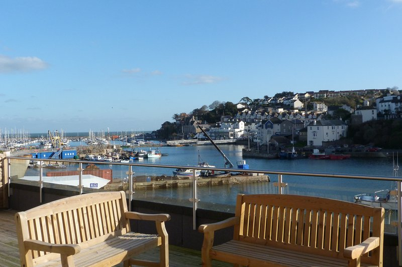Spectacular Sea Views and with patio and parking included, holiday rental in Brixham