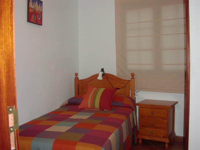 Quarto com janela lateral teraza Floor. terraço com vista para o lado quarto