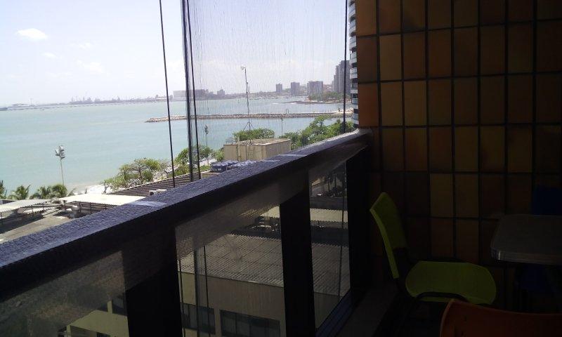 Apartamento com vista para o mar, proximo à feirinha da Beira Mar, casa vacanza a Fortaleza