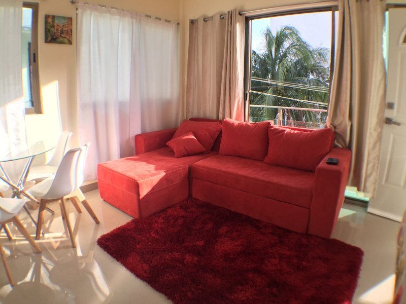 5TH AVENUE & COCO BEACH. ADELA IV APART. 6 GUESTS., holiday rental in Playa Paraiso