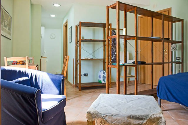 Fully furnished studio with spacious balcony and bright, complete with WIFI, air condition