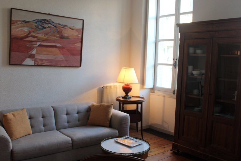 L'appart Sainte Catherine #02 / Grand appartement pour 4 pers., vacation rental in Bordeaux