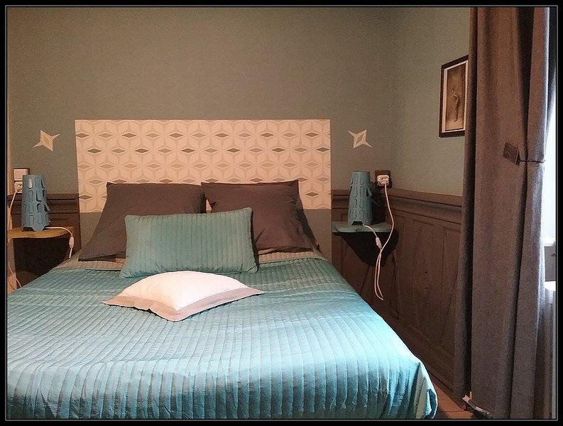 Chambre dans belle maison d'hôtes normande, baie du Mont Saint-Michel, location de vacances à Saint-Aubin-de-Terregatte
